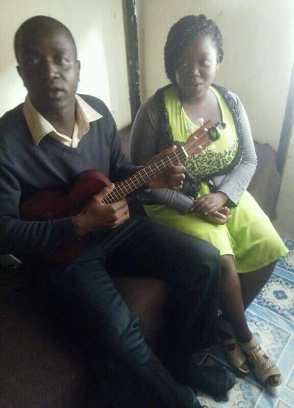 val-ukulele in Africa